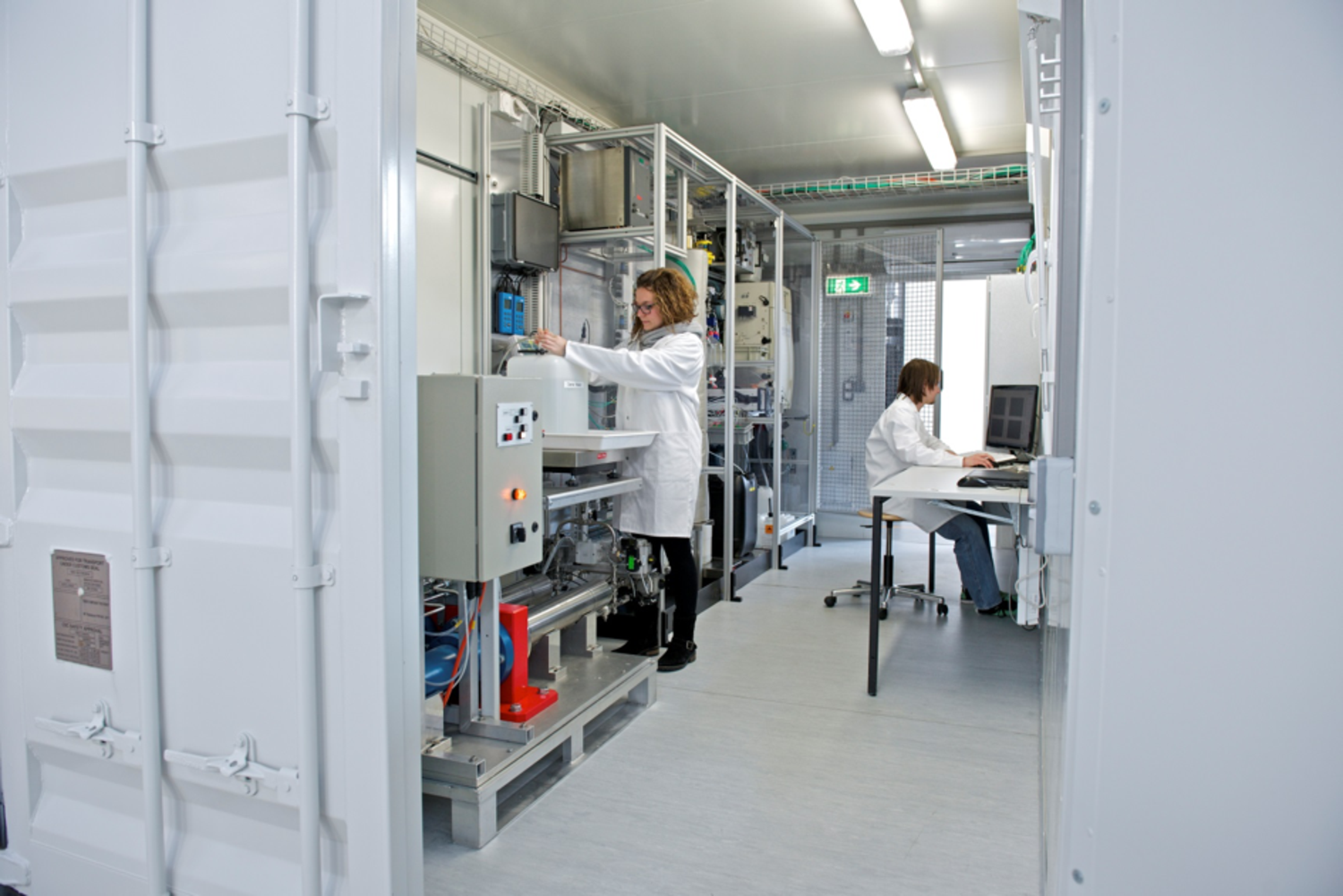 PSI's mobile research unit, KONTI-C, which is used to demonstrate the HTG process on a small scale at the site of potential users. Currently, a semi-industrial pilot plant is being set up at PSI. © Paul Scherrer Institute (PSI)