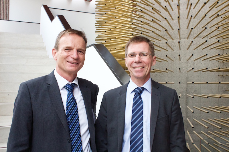 Dr. Benno Rechsteiner, CEO PARK INNOVAARE and Dr. Joël Mesot, the Director of the PSI.