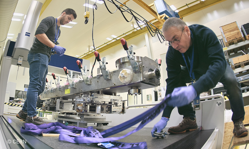Preparation and assembly work in metrology lab at CERN | © CERN